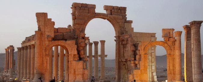 Palmira, continua la distruzione dell'Isis. Raso al suolo l'arco di trionfo