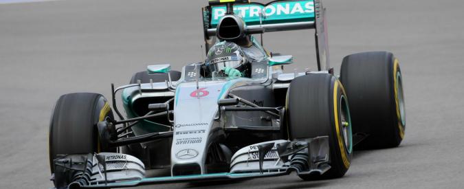 Formula 1, Gp Russia: Rosberg in pole davanti a Hamilton. Vettel quarto