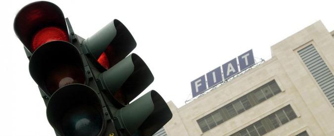Livorno, presidente dell'Aci passa con il rosso: multa e sei punti dalla patente