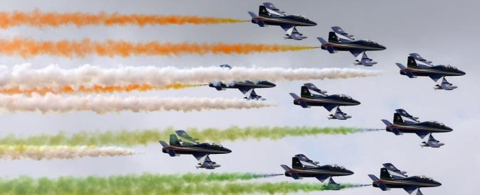 Renzi, guerra nei cieli per il suo amico che non può volare: indagato generale Preziosa