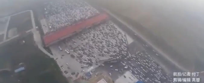 """Cina, dall'1 luglio le auto nuove saranno dotate di chip che traccia gli spostamenti. Human Right: """"È sorveglianza di massa"""""""