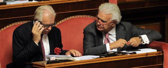 Riforme, Barani fa un gesto da padre costituente: mima un rapporto orale alla senatrice Lezzi (M5s)