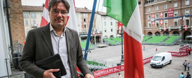 Asti, dopo diffida il sindaco Pd lascia poltrona nella banca creditrice del Comune