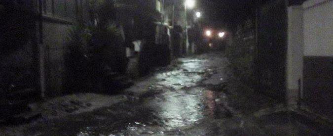 Maltempo Calabria, auto travolta da torrente: ritrovato il corpo dell'uomo disperso. Salva la figlia