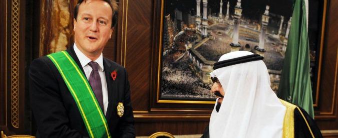 """Gb, Cameron sotto attacco: """"Viaggio da 100mila sterline in Arabia Saudita"""""""