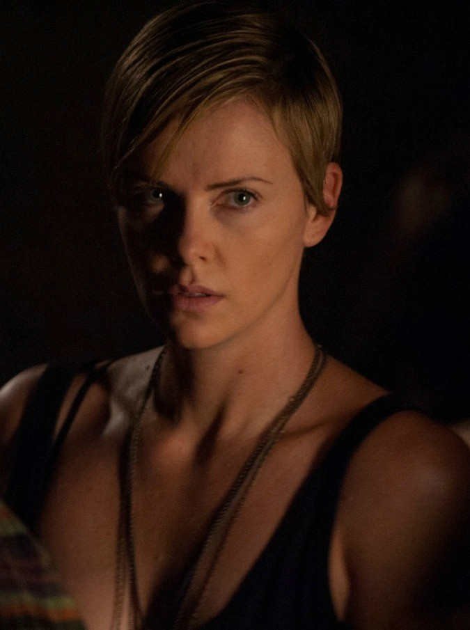 Charlize Theron tormentata in Dark Places, un efficace (ma poco originale) thriller claustrofobico (VIDEO)
