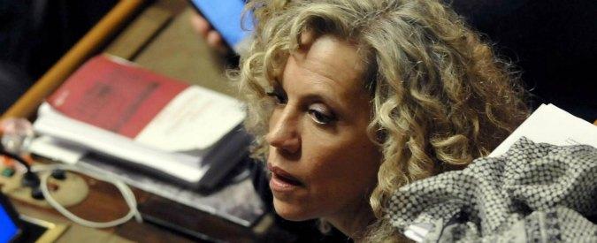 """Unioni civili, ddl in Senato ma manca numero legale. Poi proteste Ncd-Fi. Salvini: """"Barricate contro adozioni gay"""""""