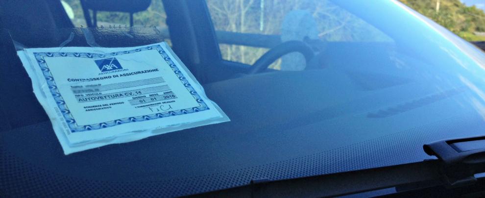 Rc Auto, dal 18 ottobre addio al tagliando di carta. La copertura si verifica on line
