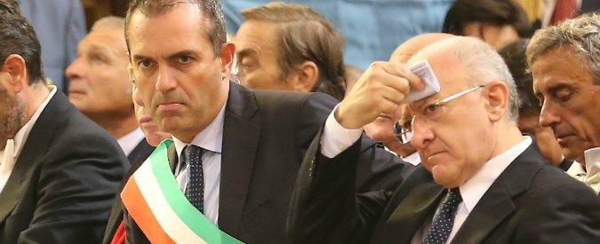 """Legge Severino è costituzionale, ricorso infondato"""". De Magistris verso la  sospensione. E anche De Luca trema - Il Fatto Quotidiano"""