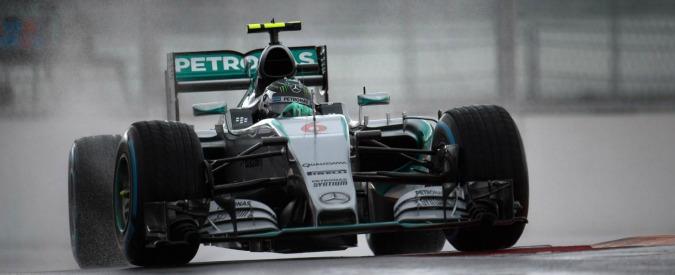 Formula 1, Gp Russia: a Sochi prove libere tra pioggia e gasolio in pista. Mercedes punta a chiudere il titolo costruttori