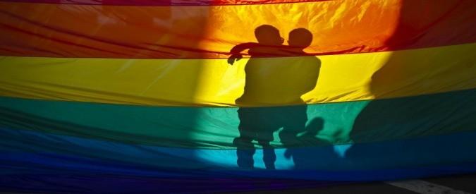Omofobia, la politica è complice