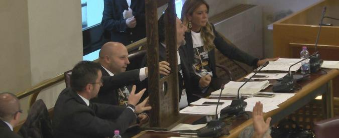 """Abruzzo, in Regione il """"canguro"""" è legge: giunta potrà far decadere emendamenti"""