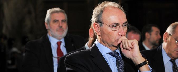 Unicredit, sindaco si dimette dopo vicenda Palenzona. Ma per l'ad Ghizzoni il caso è chiuso