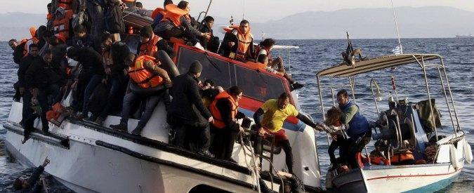 """Migranti, Mogherini: """"Missione Sophia anti-trafficanti sarà prolungata"""". Ma Londra la stronca: """"E' un fallimento"""""""
