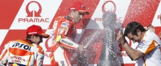 MotoGp Australia, Lorenzo ringrazia Iannone che ruba tre punti d'oro a Rossi in vista dell'arrembaggio finale