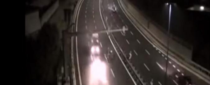 """Napoli, morì in tangenziale in contromano con il fidanzato al volante. L'autopsia: """"Era sveglia e cosciente"""""""