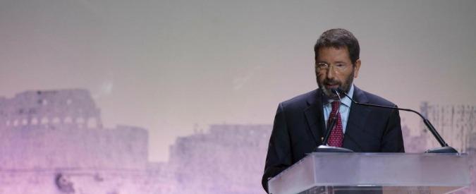 """Marino, dimissioni rinviate al 12 ottobre. Renzi: """"Ha fatto bene, non c'era alternativa"""""""