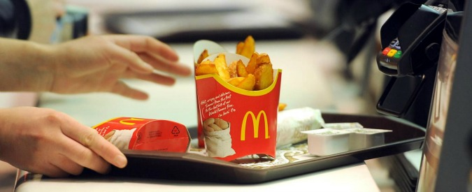 """McDonald's, indagine tra 29 concessionari Usa: """"Siamo in crisi, forse chiudiamo"""""""