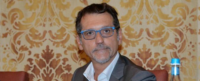 """Bologna, il centro lgbt Atlantide contro lo sgombero. E il sindaco Merola """"licenzia"""" l'assessore pro-collettivo"""
