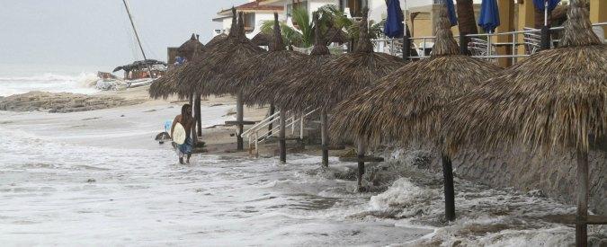"""Messico, emergenza per arrivo del super-uragano Patricia. """"Sarà accompagnato da grandi onde distruttive"""""""