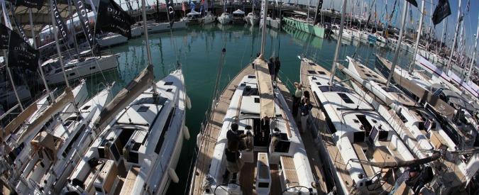 Salone nautico Genova, segnali di ripresa e ora la fiera punta su vela agonistica. Ma teme il 'controsalone'