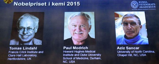"""Premio Nobel chimica 2015, vincono Tomas Lindahl, Paul Modrich e Aziz Sancar: sono i """"meccanici"""" del Dna"""