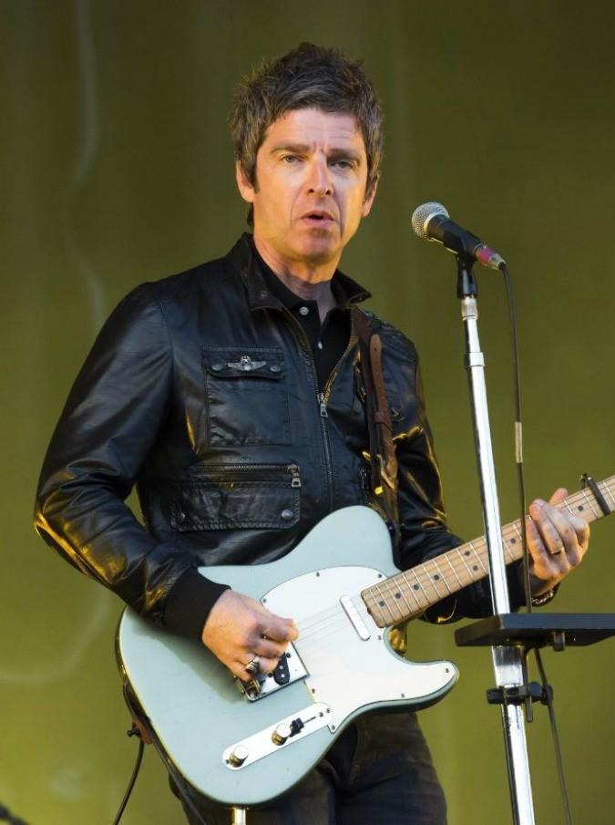 Se una notte d'autunno Noel Gallagher sale in metropolitana per andare a cantare con gli U2