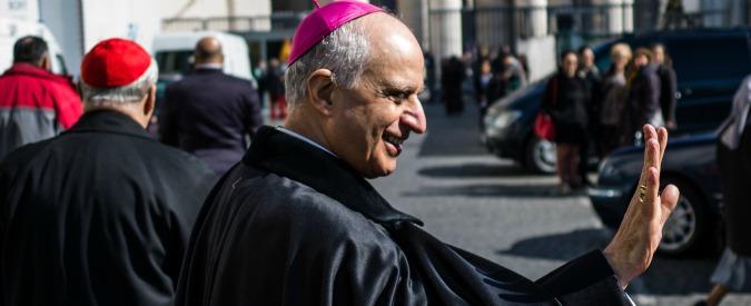 Giubileo, tocca a monsignor Fisichella ricucire lo strappo tra il Papa e Marino