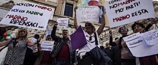 """Roma, Ignazio Marino ai suoi sostenitori: """"La piazza mi dà coraggio e determinazione di andare avanti"""" (FOTO e VIDEO)"""