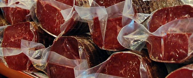"""Carni cancerogene, la reazione dei produttori: """"Ora Ministero verifichi se lo studio Oms vale per gli alimenti italiani"""""""