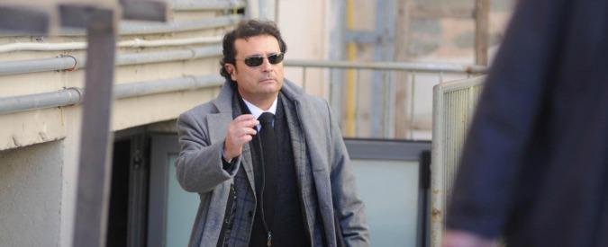 """Concordia, Schettino avvicinato dal figlio del giudice che condannò Berlusconi: """"Papà può dare dritte sul processo"""""""