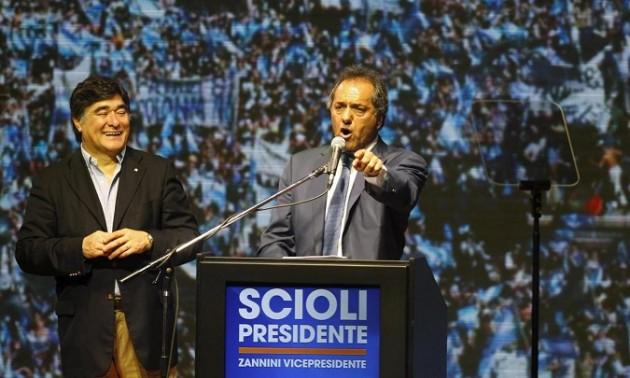 Presidenziali Argentina, è ballottaggio Scioli-Macri