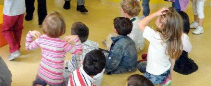 """Parma, violenze sui bambini: arrestate due maestre di una scuola materna. """"Mangia come un animale"""""""