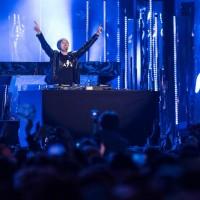 25/10/2015 Marco Comollo sul palco degli MTV Awards