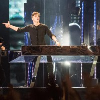 Martin Garrix sul palco degli MTV Awards 2015
