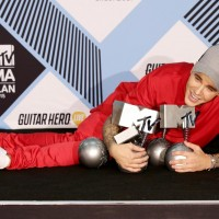 Justin Bieber with his award for Best Male at the Press Room for the MTV European Music Awards 2015
