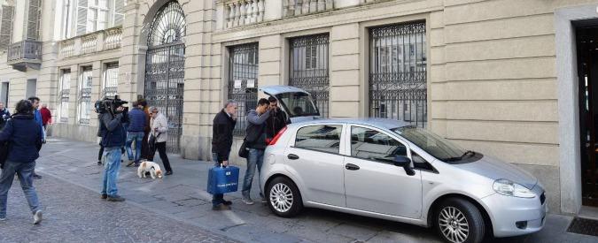 Torino, rifiuta il Tso e aggredisce equipe: infermiere e medico accoltellati