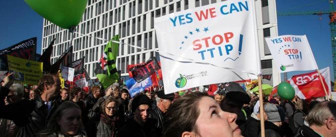 Trattato Usa-Ue su commercio, ripartono negoziati tra le proteste dei cittadini Ue. E la chiusura del Ttip slitta