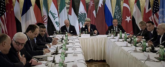 """Siria, a Vienna Obama cambia strategia: """"Forze speciali Usa contro Isis"""". Ma sul futuro di Assad non c'è intesa"""