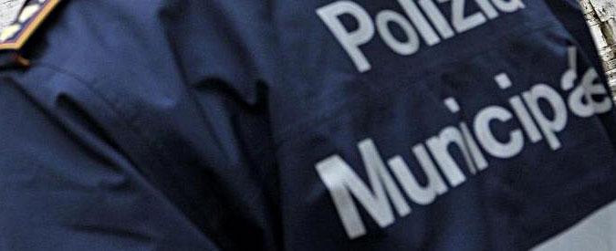 Amantea, voti in cambio di promesse di assunzioni nella polizia municipale: sindaca indagata insieme al padre