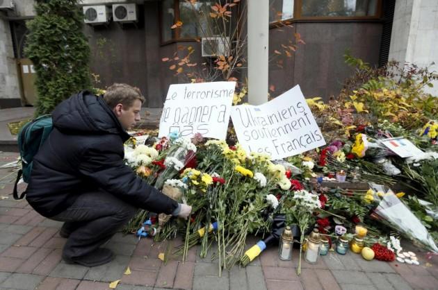 Attacco Parigi, solidarietà nel mondo