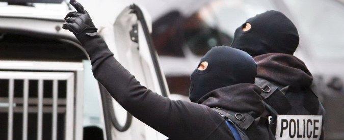 """Attentati Parigi, Belgio base operativa dei jihadisti in Europa: """"Quando hanno la cittadinanza è più difficile combatterli"""""""