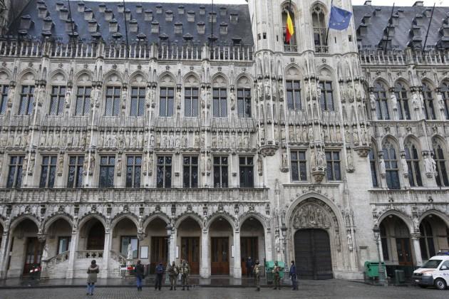 Continua l'allerta massima a Bruxelles per allarme attentati