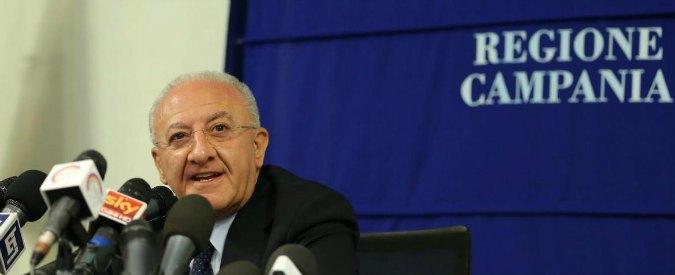 """Vincenzo De Luca indagato, Pd: """"Chiarirà"""". Ma Esposito: """"Ricattato o ignaro, comunque ha responsabilità"""""""