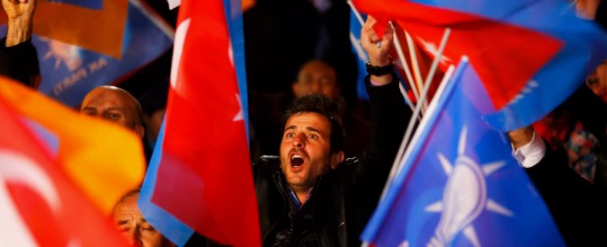 """Elezioni Turchia, Osce: """"Mancanza di libertà di stampa e violenze hanno caratterizzato la campagna elettorale"""""""