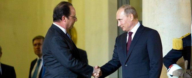 """Attentati Parigi, alleanza Francia-Russia: """"Bombardamenti coordinati contro Isis"""". Bruxelles a Parigi: """"Sì ad aiuto militare"""""""