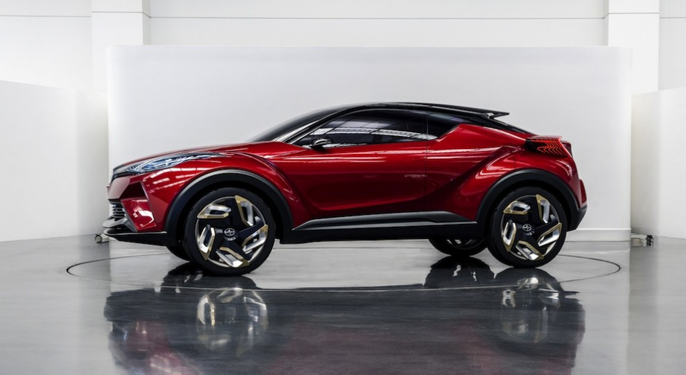 24 model 2017 toyota chr hybrid suv concept 2016 geneva motor show. Black Bedroom Furniture Sets. Home Design Ideas