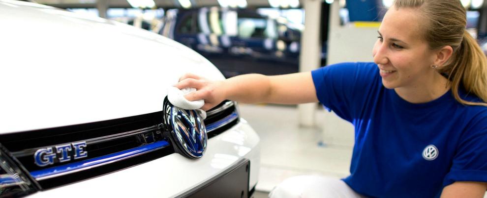 Volkswagen, in regalo ai clienti americani carte prepagate da 500 dollari
