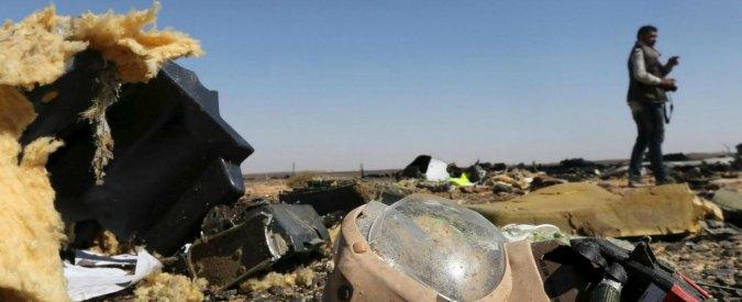 """Disastro aereo sul Sinai, la compagnia: """"Fattore esterno"""". Russia e Usa: """"Terrorismo? Non lo escludiamo"""""""