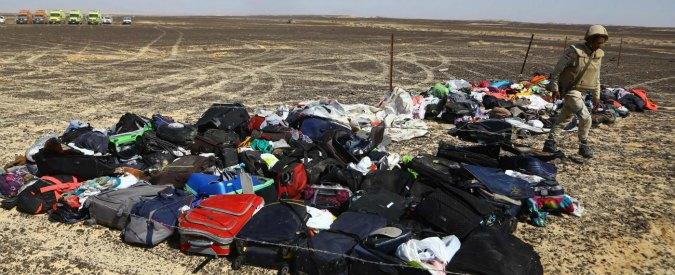 """Aereo caduto Sinai, Bbc: """"Bomba nella stiva"""". Putin: """"Stop voli in Egitto"""". France 2: """"Scatola nera, si sente esplosione"""""""